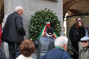 lapide-piazza-mercanti